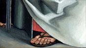 Der Fuß unter dem weißen Gewand